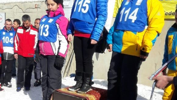 Türkiye Kayak Şampiyonasında Bayanlarda 3.lük Sevgili Fatma Nur'umuzun…