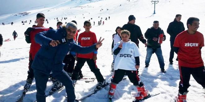 26 Şubat 2016 : ZİÇEV'in özel çocukları kayak yapmayı öğrendi