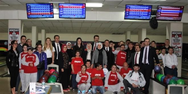 07 Mart 2016 : Kadın milletvekillerimiz ile Ankara ZİÇEV öğrencilerimiz Bowling Turnuvasındaydı
